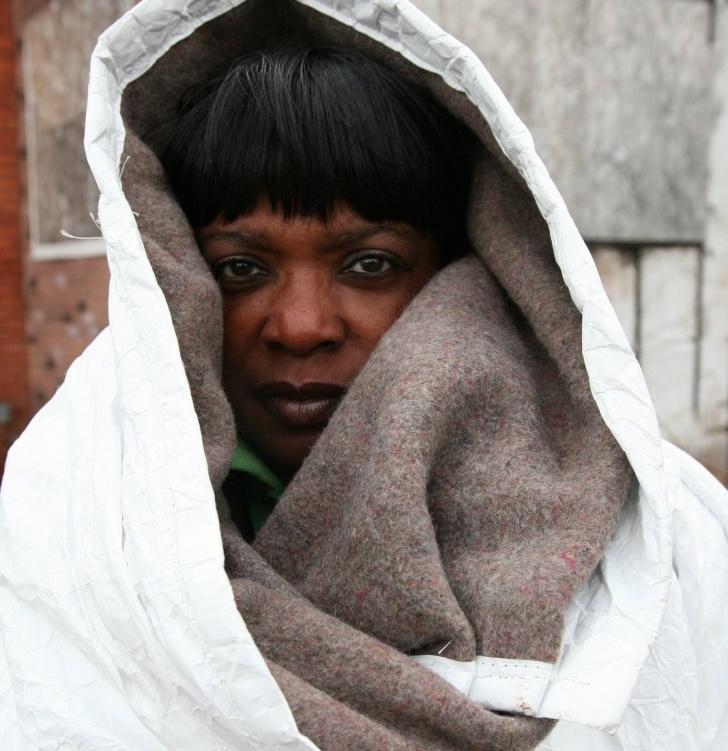 pobreza, indigentes, invierno, soluciones, detroit, abrigo, saco