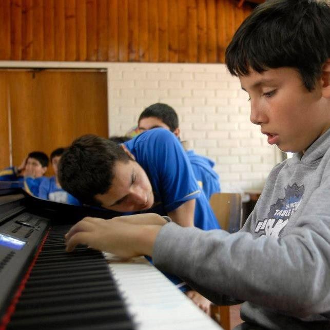 Rodrigo Aguirre, música, autismo, comunicación