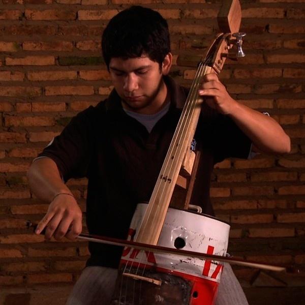 cateura, basura, orquesta de instrumentos reciclados, paraguay, flavio chávez