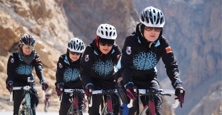 ciclismo, bicicleta, afganistán, kabul, shannon galpin, derechos, mujer, islam, velo, musulmanes, talibanes