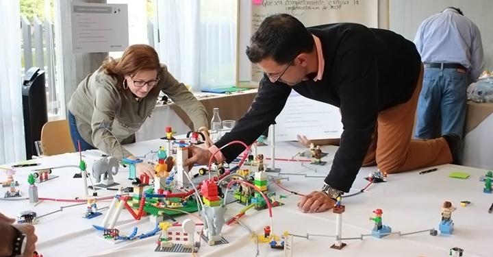 Lego, innovación, emprendimiento, coaching, juegos, talleres, workshop, dinámicas, empresas, negocios