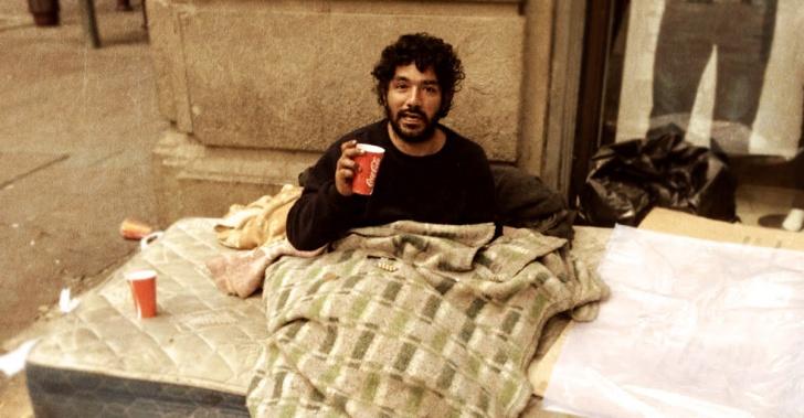 Pobreza, calle, mendigo, homeless, adicciones, Fundación Paréntesis, campañas, indigencia, indigentes, vagabundos