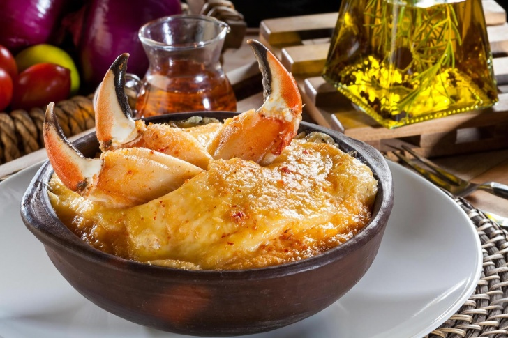 comida, restoranes, restaurantes, Zomato, chilena, alimentos, pernil, charquicán, pastel de jaiba, paila marina, corrillana