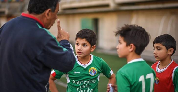 deporte, fútbol, futbolista profesional, carrera, educación, oportunidades, trabajo, plan B, Fundación Valores