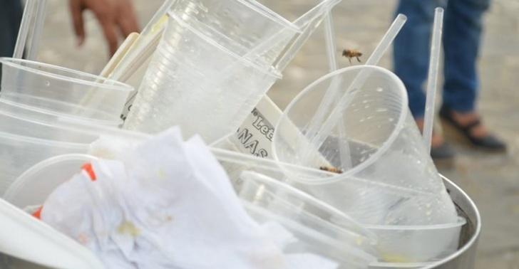 plástico, vasos, uso, francia, españa, basura, medioambiente.